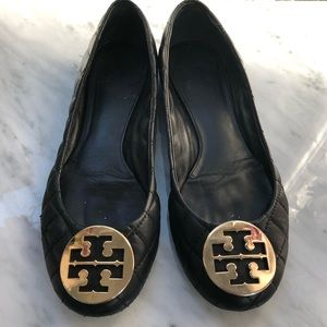 Tory Burch Reva Black Leather Flats Gold Logo 10.5
